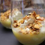 Biezpiena deserts ar ananasiem un auzu pārslām