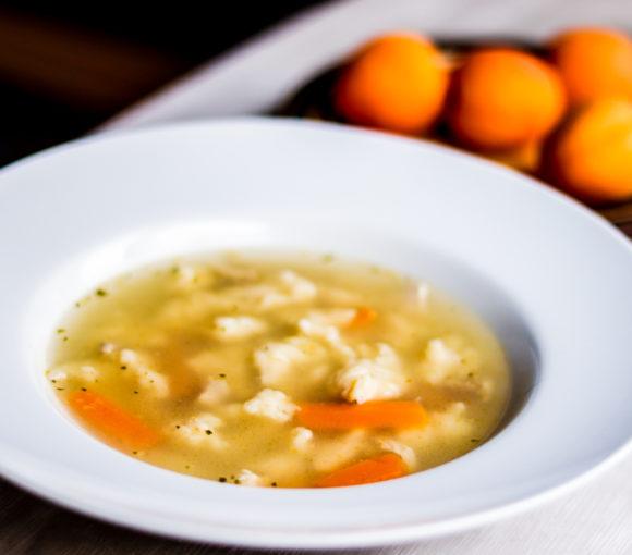 Klimpu zupa ar vistu. Recepte